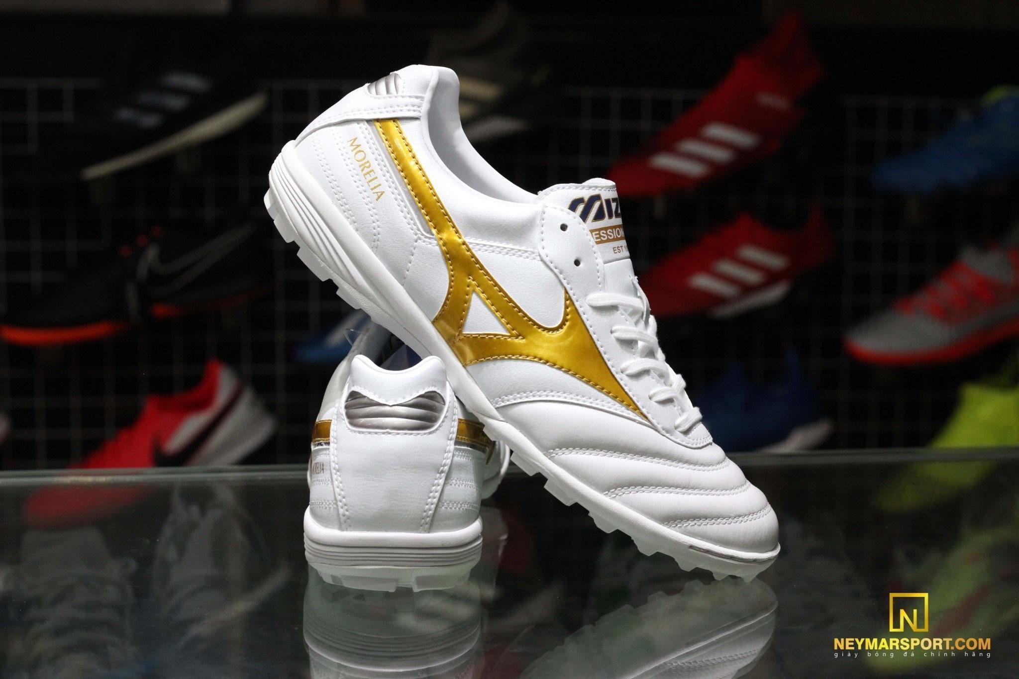 Giày đá banh Mizuno Morelia TF White/Gold