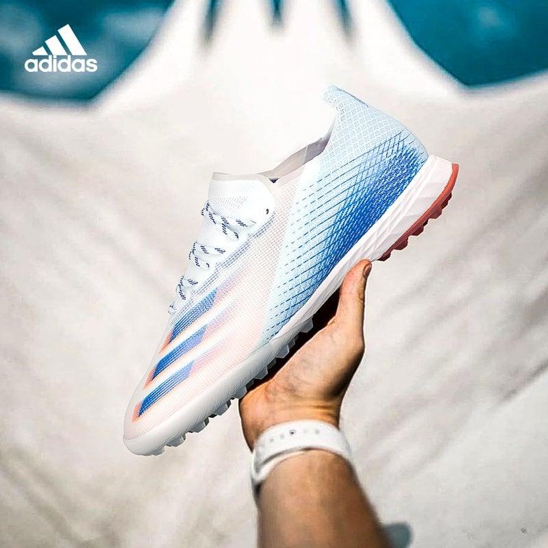 Tổng hợp Top 4 giày cỏ nhân tạo siêu nhẹ, siêu ôm chân