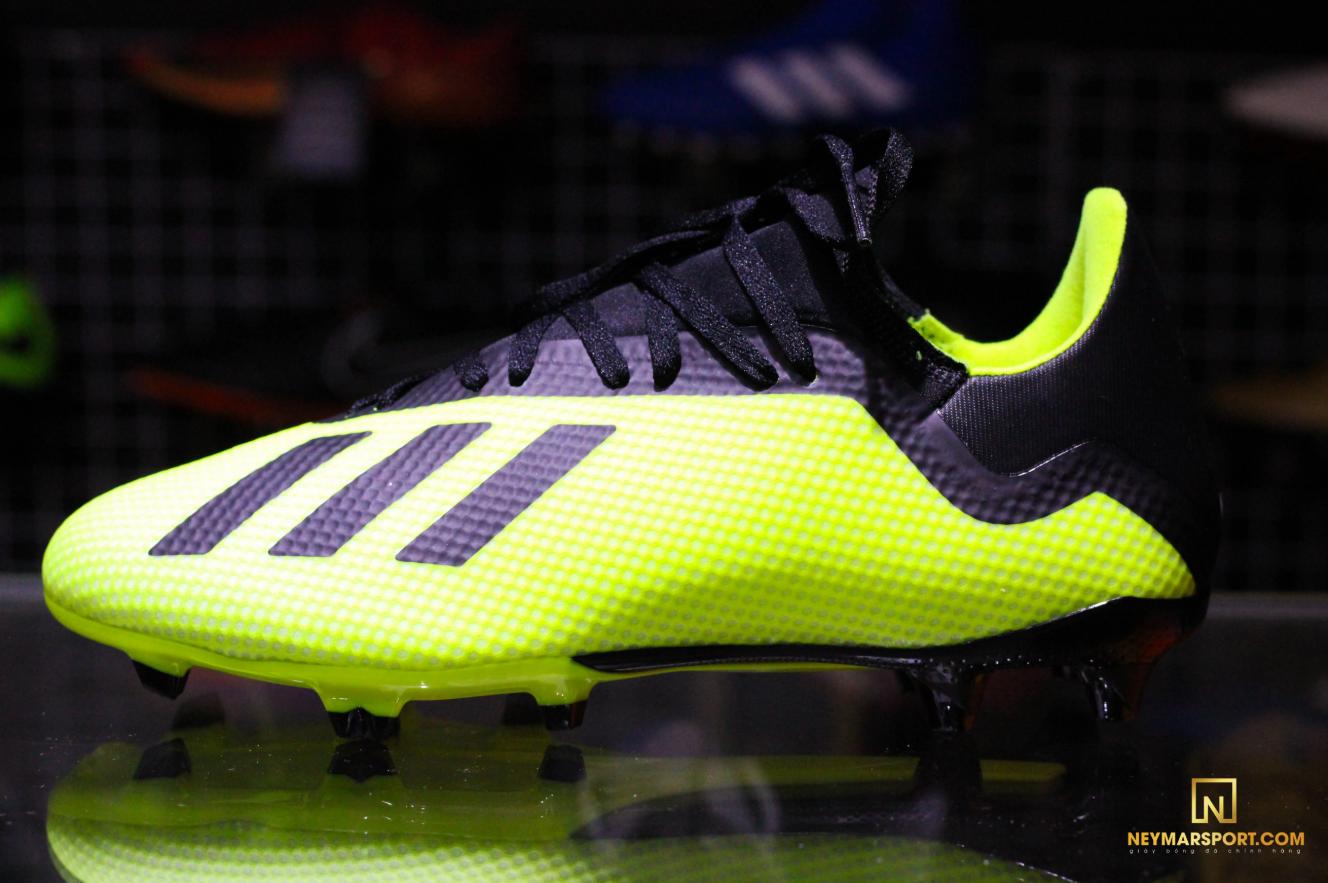 Giày đá banh Adidas X 7