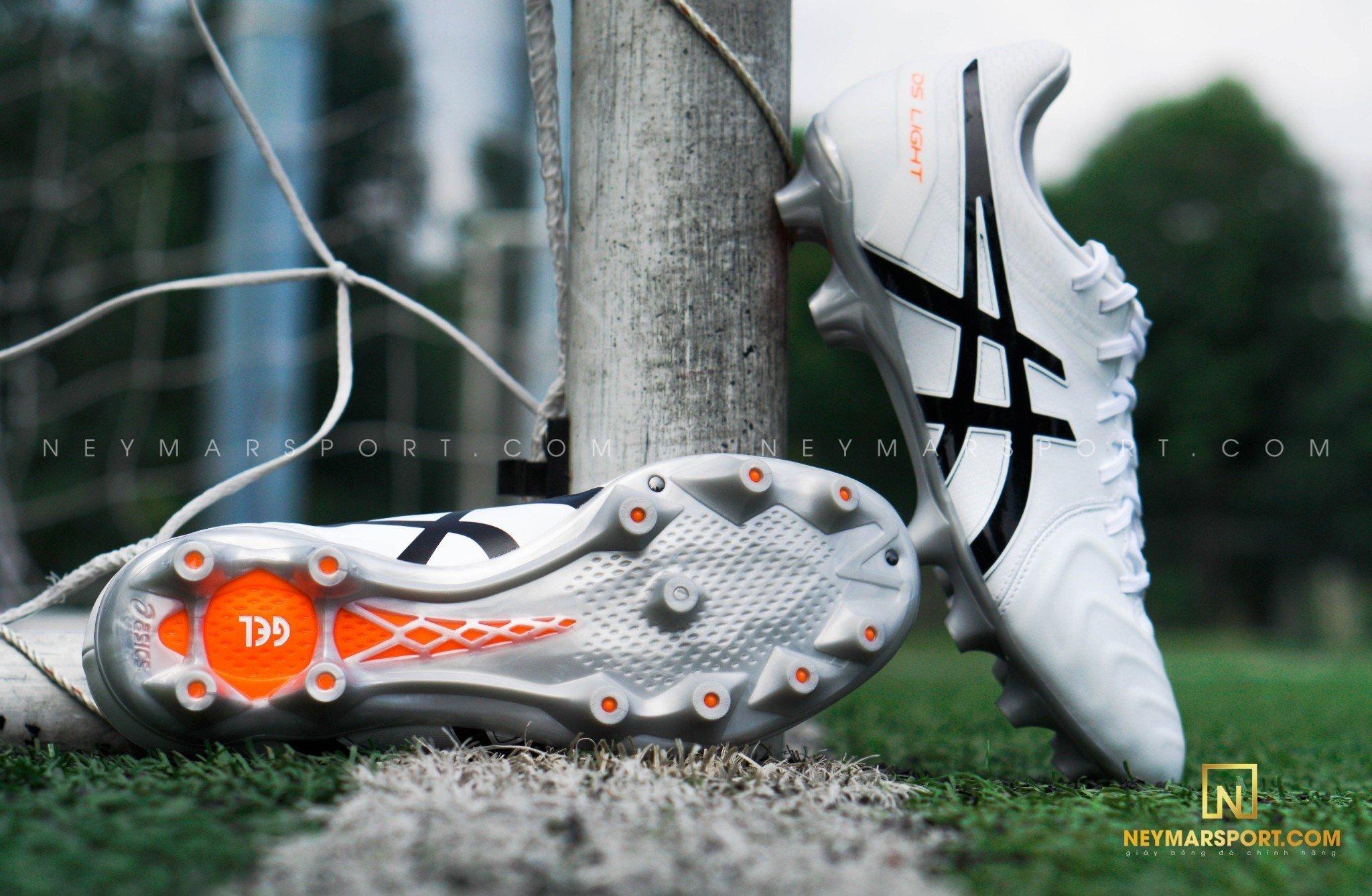 giày đá bóng Asics DS Light WD FG