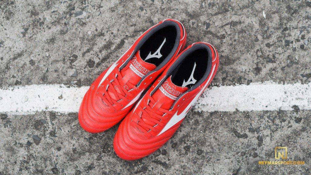 giày đá bóng Mizuno Morelia Club FG
