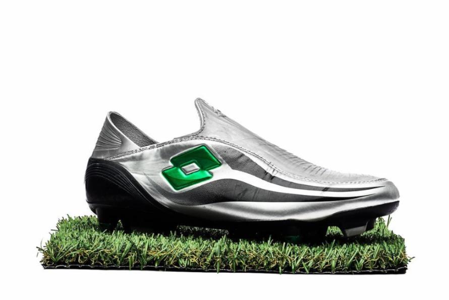 Giày đá banh không dây buộc đầu tiên - Lotto Zhero Gravity - 2006