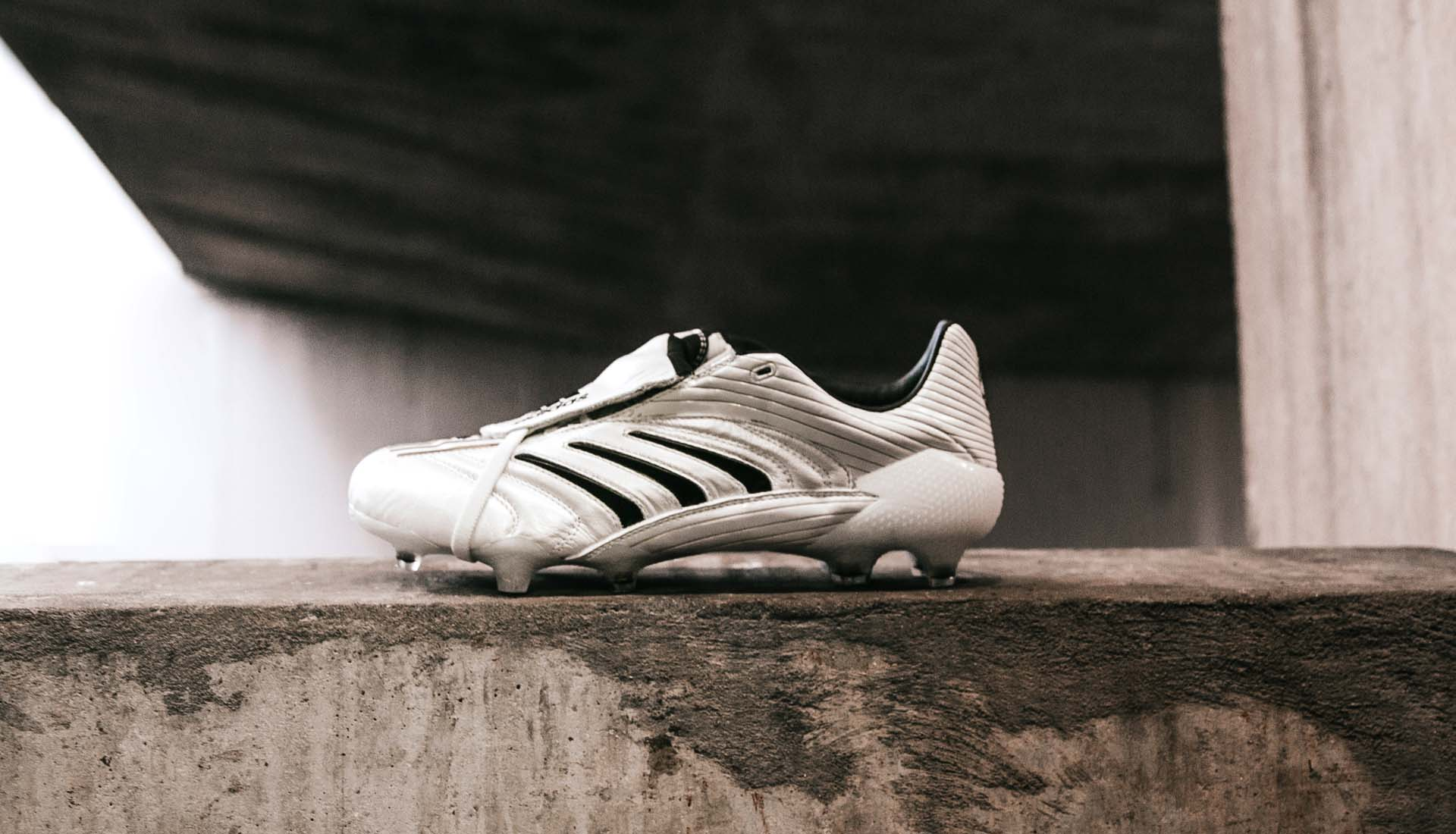 Giày đá bóng Adidas Predator Absolute 20 - White / Black / Metallic Gold