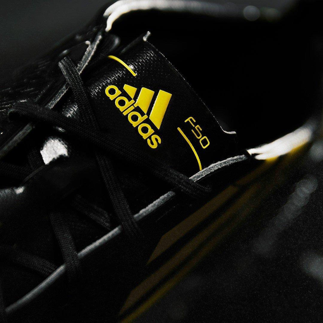 Vẻ ngoài ấn tượng của Adidas F50 X Ghosted +
