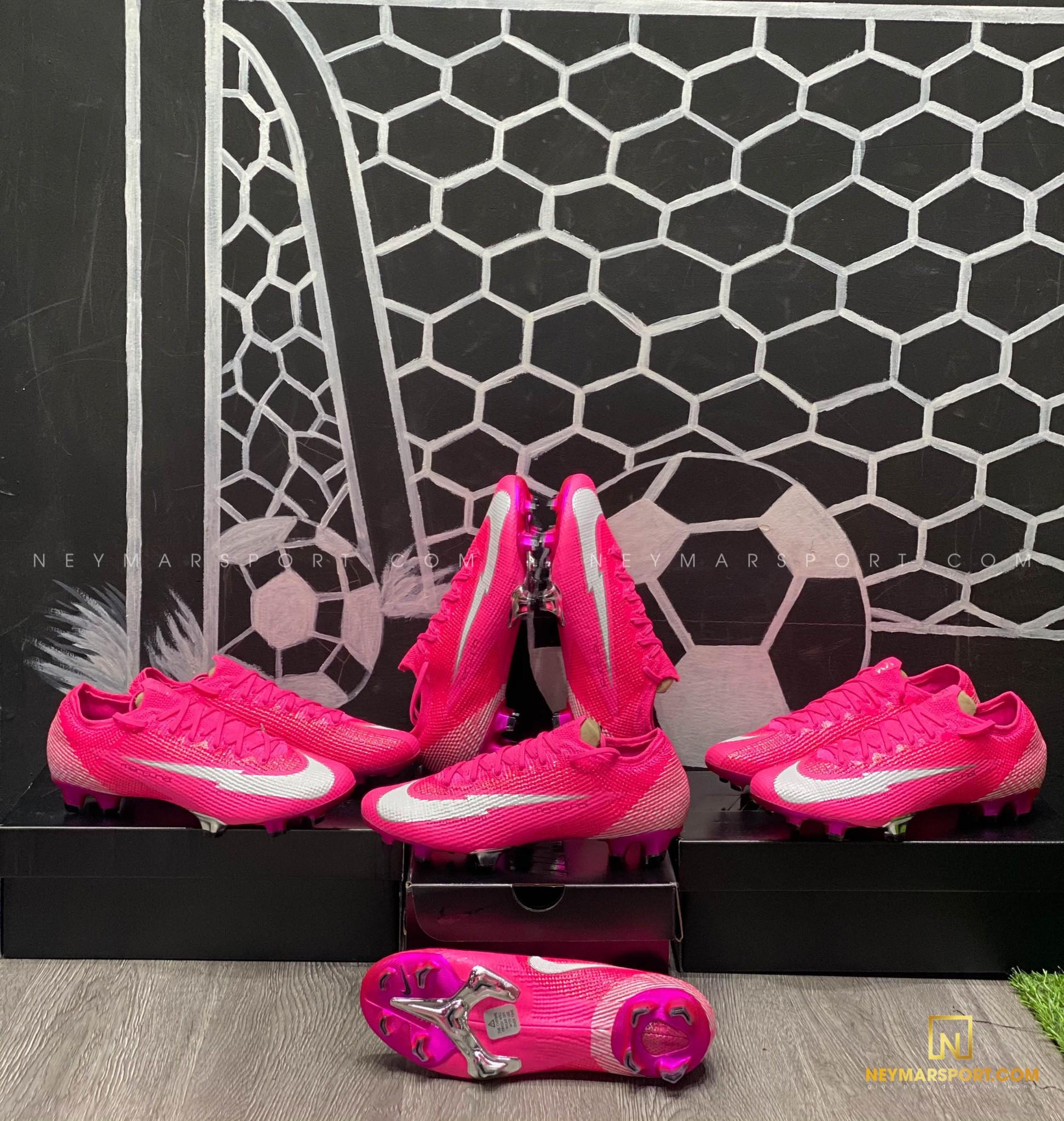 Giày đá bóng Nike Mercurial Mbappé Rosa phiên bản mới nhất với màu hồng ấn tượng