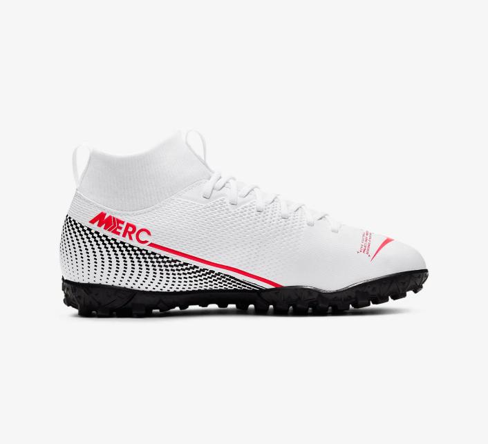 Nike Mercurial Vapor 13 Future Lab II sở hữu những điểm nhấn tinh tế đẹp mắt