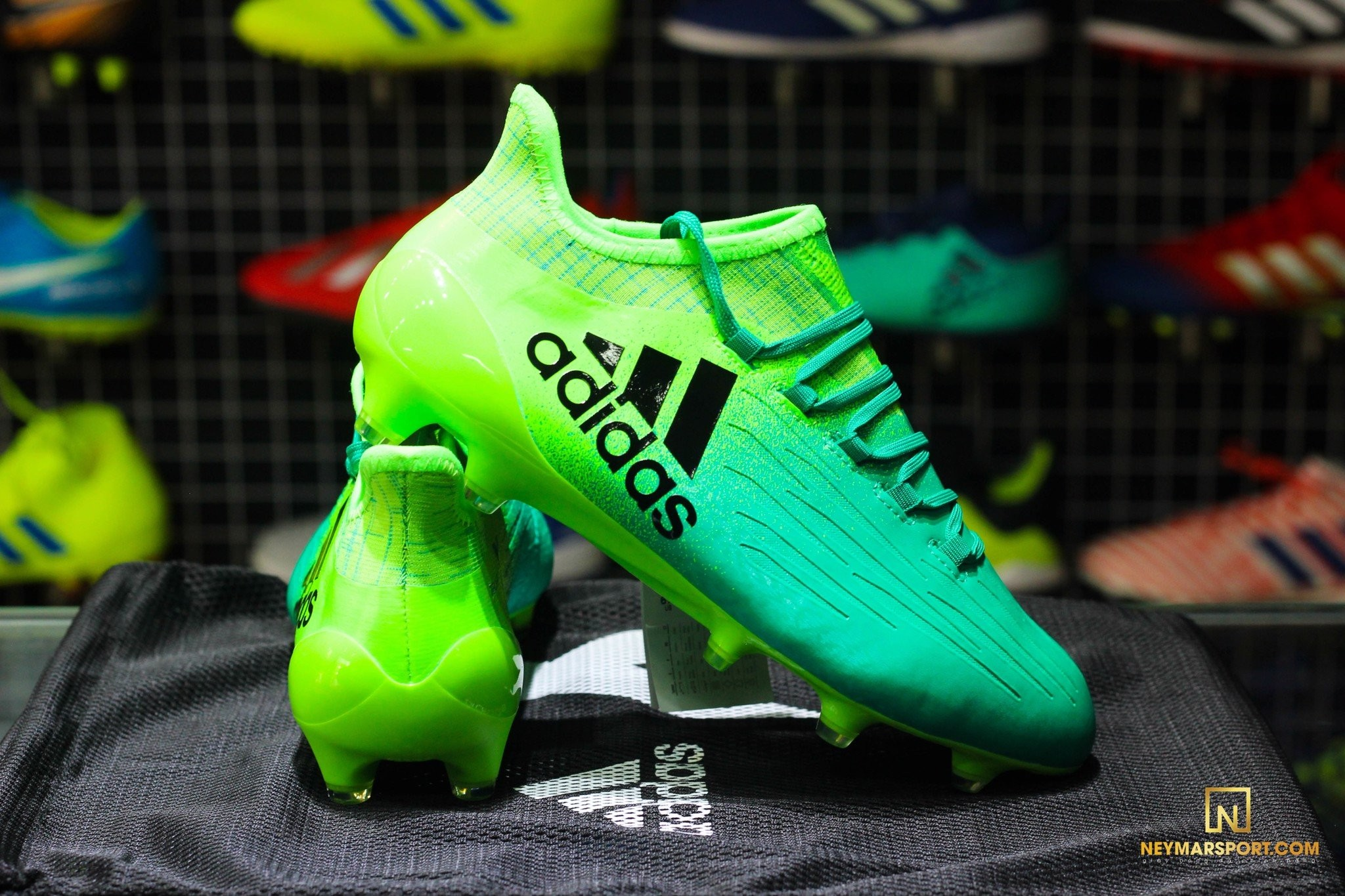 Giày bóng đá Adidas X16 – 2016