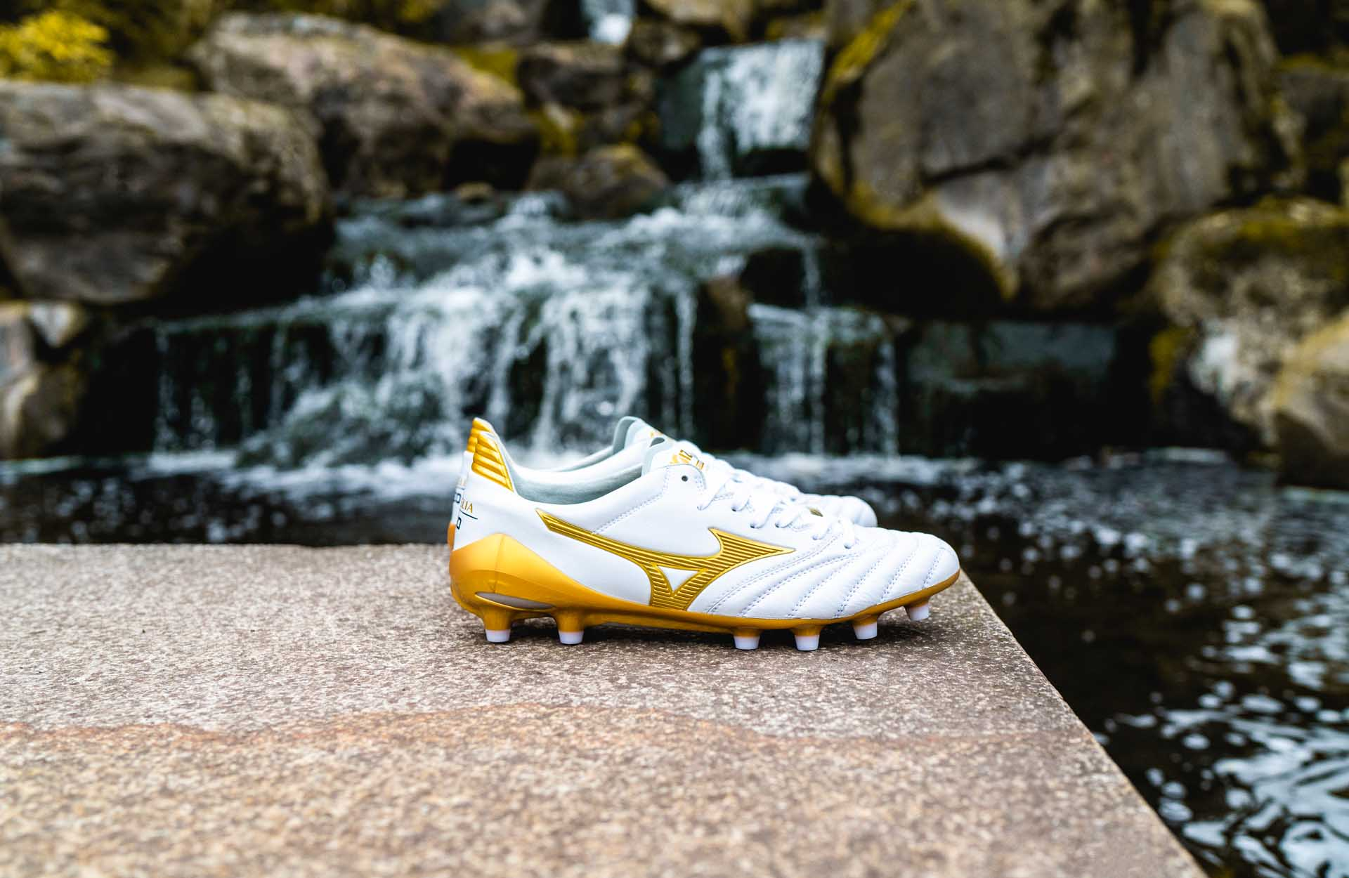 Giày đá banh Mizuno Morelia II Made in Japan