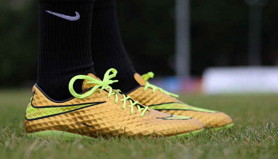 NIKE HYPERVENOM PHANTOM I LIQUID DIAMOND