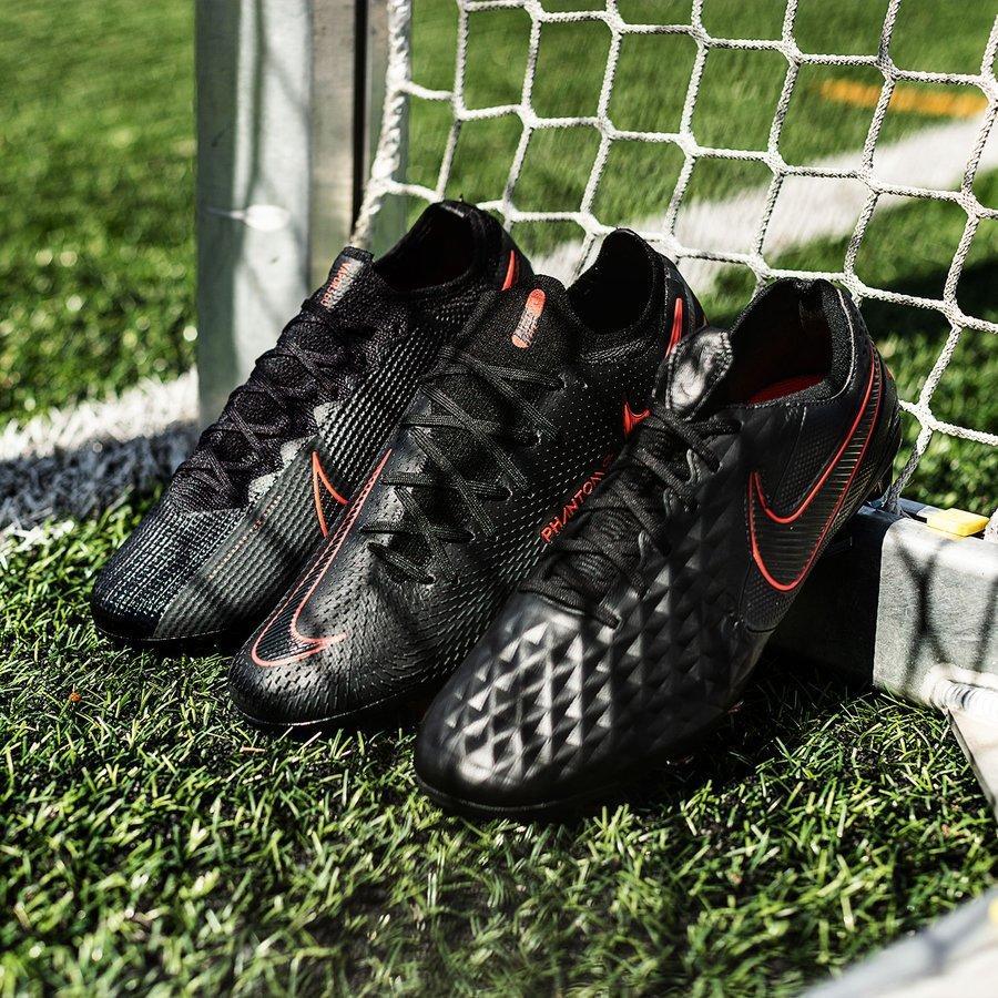 Nike ra mắt