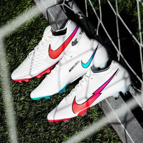 Bộ sưu tập giày đá banh Nike Flash Crimson Pack đẹp tinh tế