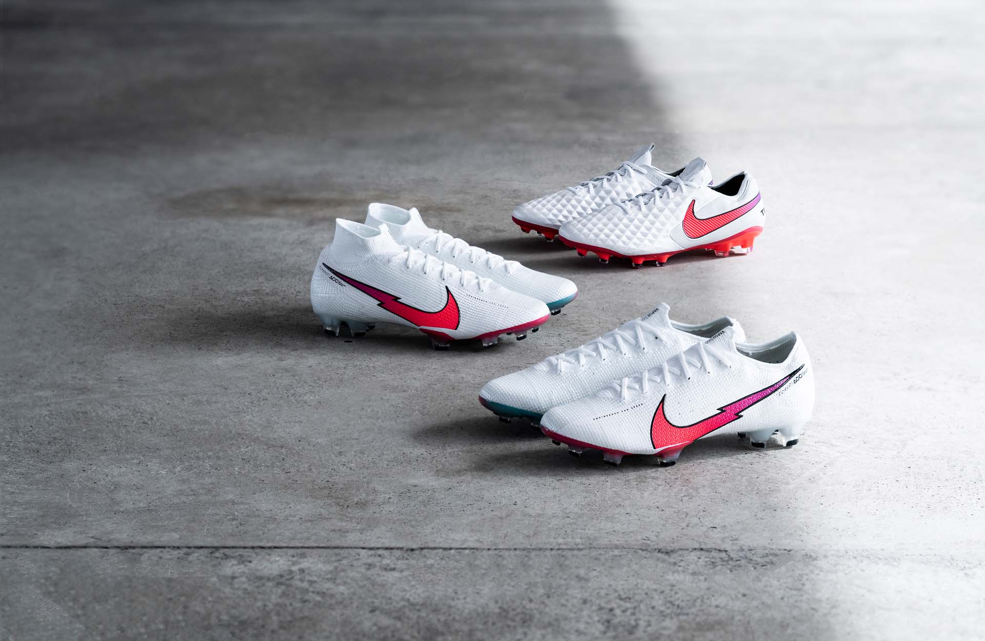 Nike Mercurial Superfly - The Flash Crimson Pack