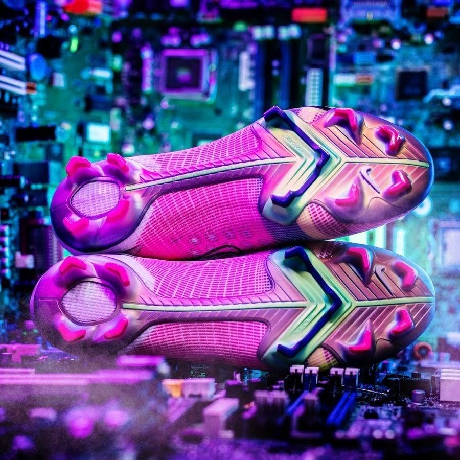 Giày đá bóng Nike Mercurial công nghệ cao