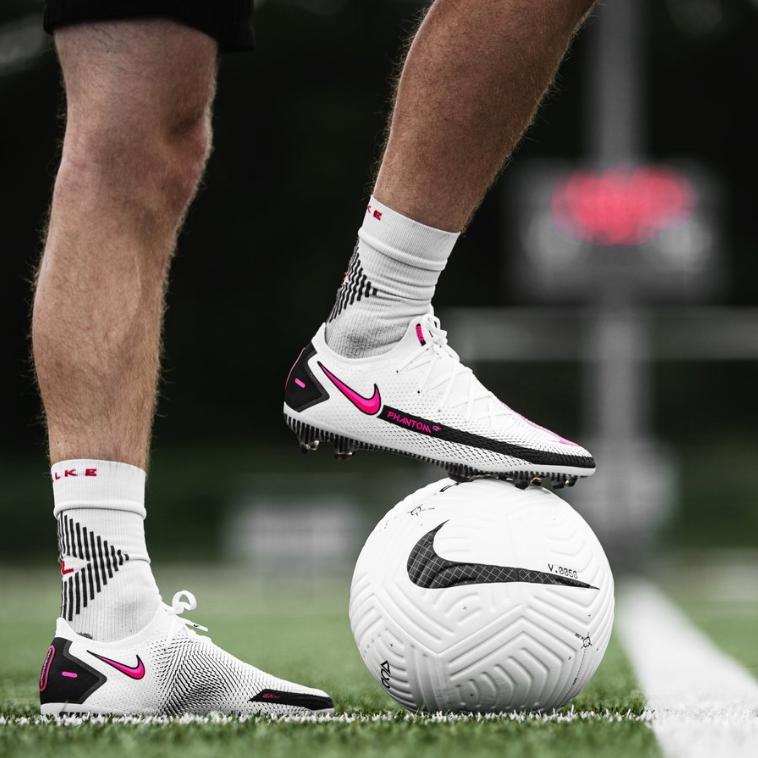 Giới thiệu giày đá banh Nike Phantom GT