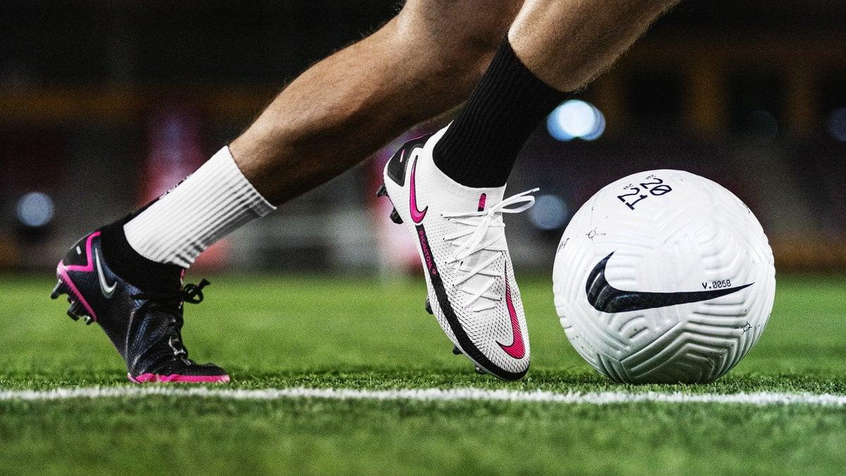 Giày đá banh Nike Phantom GT tổng hợp những ưu điểm vượt trội