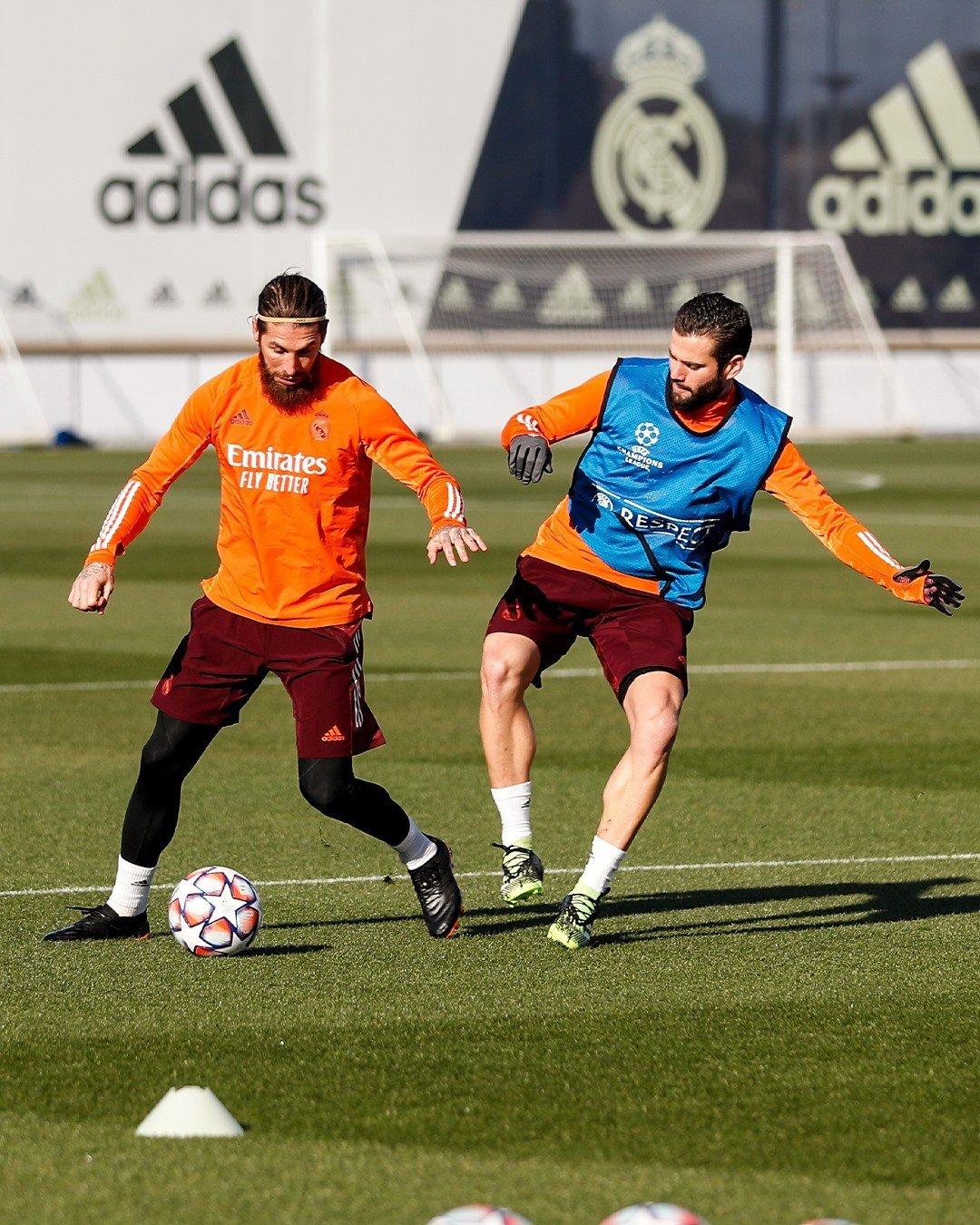 Ramos mang giày đá bóng adidas Copa 20.1 Precision To Blur