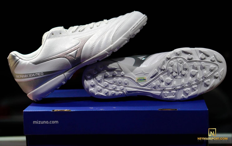 Giày đá banh Mizuno Monacida 8