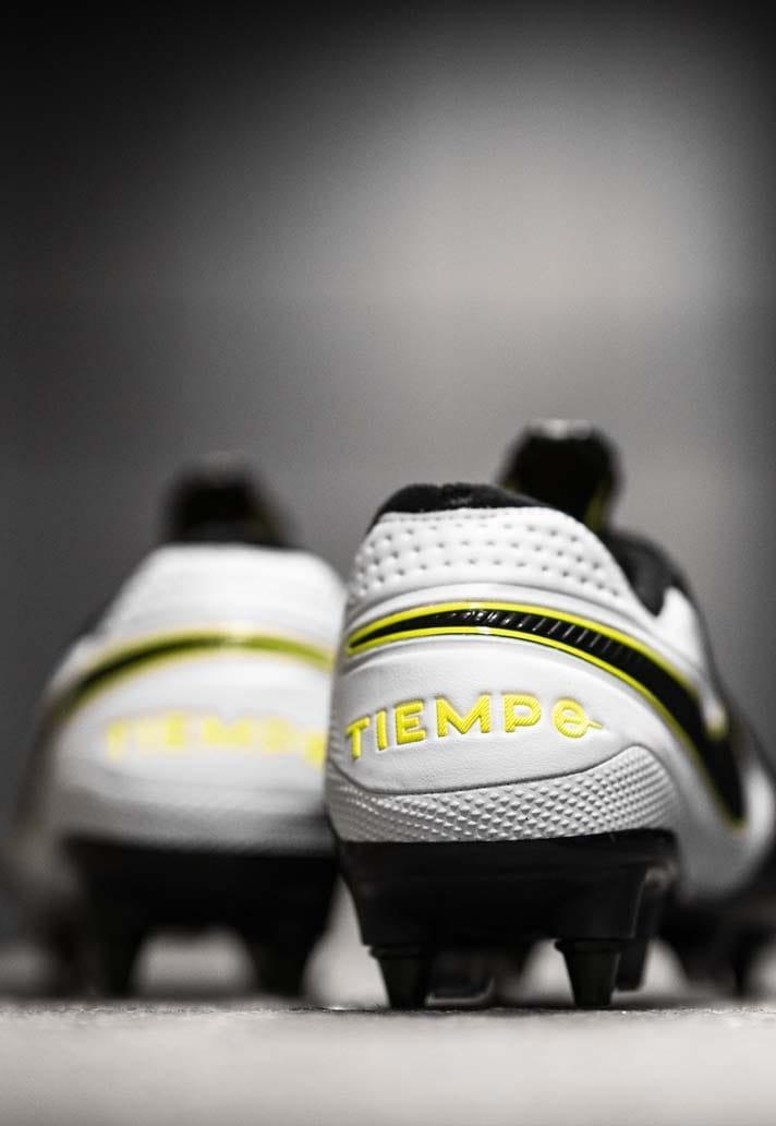 Giày đá banh chính hãng. Giày đá banh Nike. Giày Nike Tiempo Legend 8.