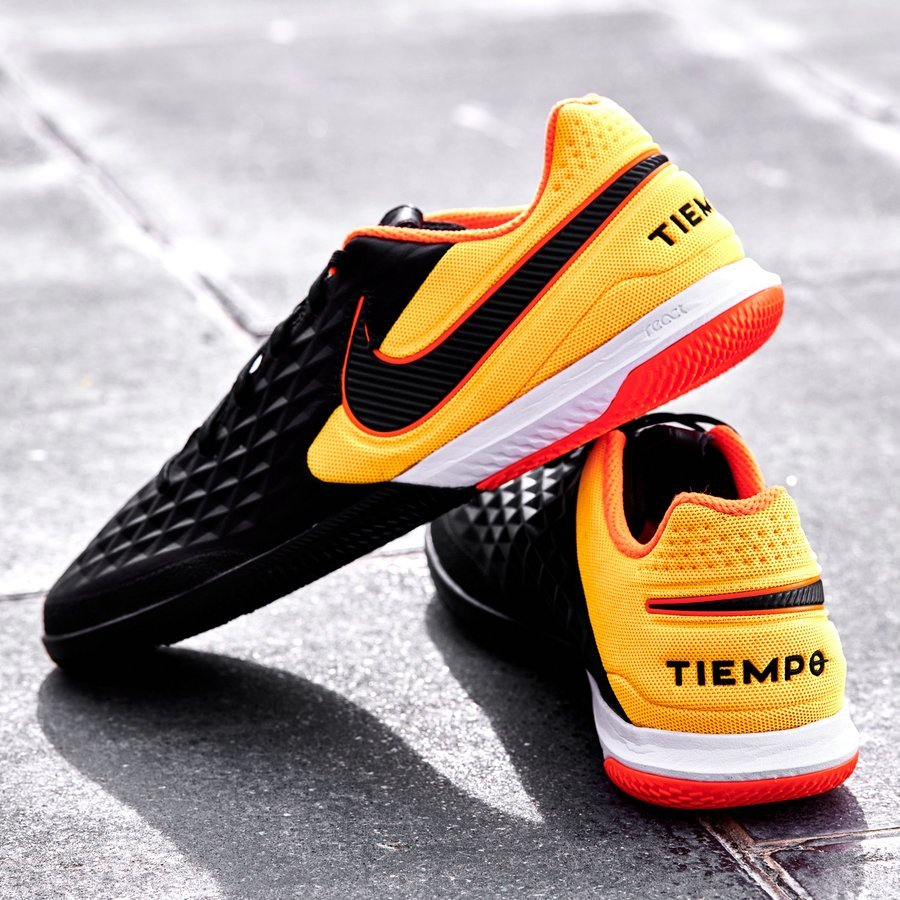 Tiempo Legend VIII React Pro trong BST Nightfall