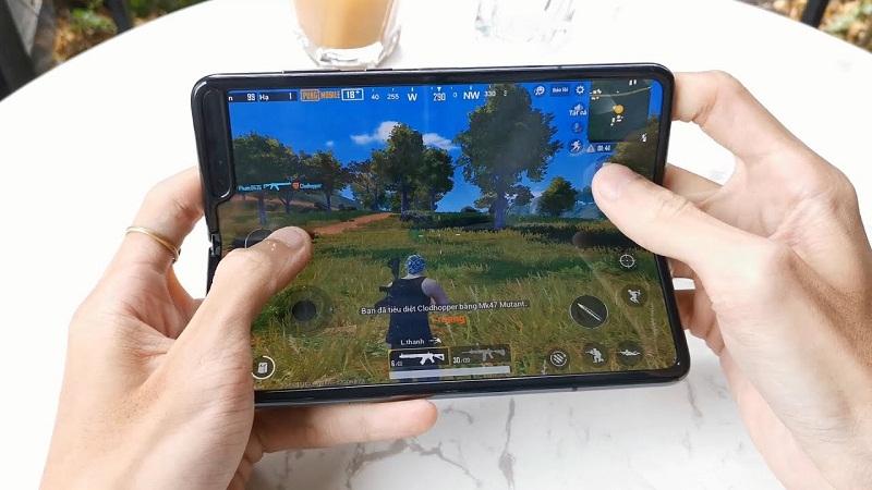 """Chọn ngay 5 mẫu smartphone đỉnh cao thoải mái """"chiến game"""" ngày Tết hình ảnh 4"""