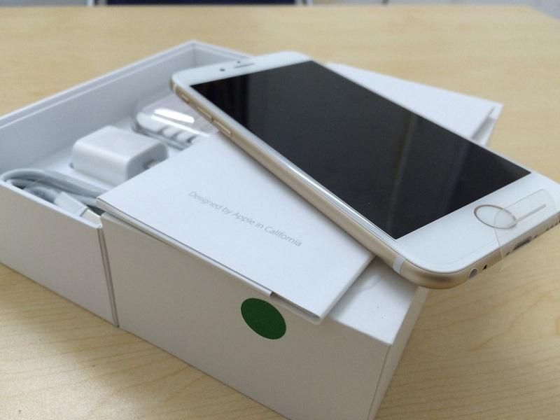 """""""Tuyệt chiêu"""" nhận biết iPhone mới hay được tân trang."""