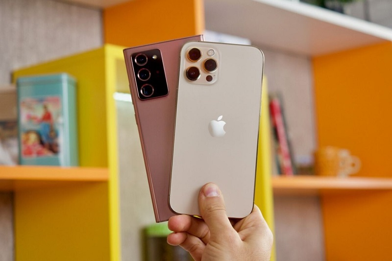 """""""So kè"""" iPhone 12 Pro Max và Galaxy Note 20 Ultra: """"Cuộc chiến"""" giữa các flagship hàng đầu hình ảnh 2"""