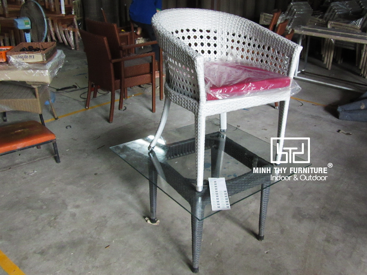 Công đoạn kiểm tra chất lượng ghế cafe MT2A5
