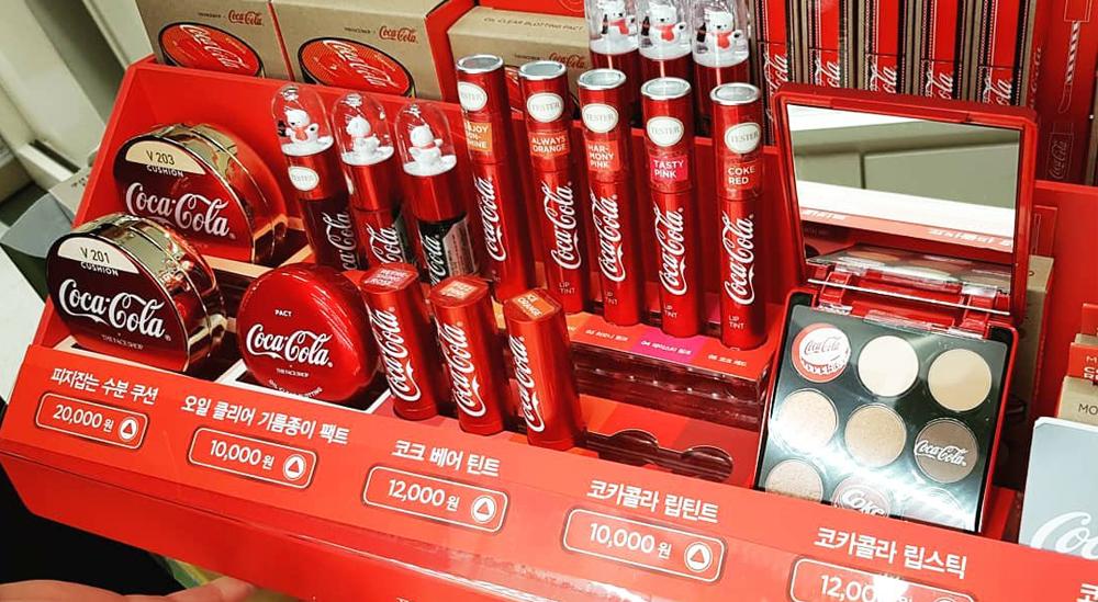 Coca cola và the face shop kết hợp