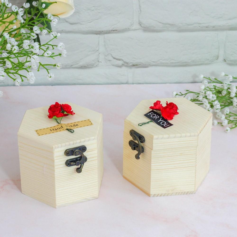 Hộp gỗ hoa hồng sáp