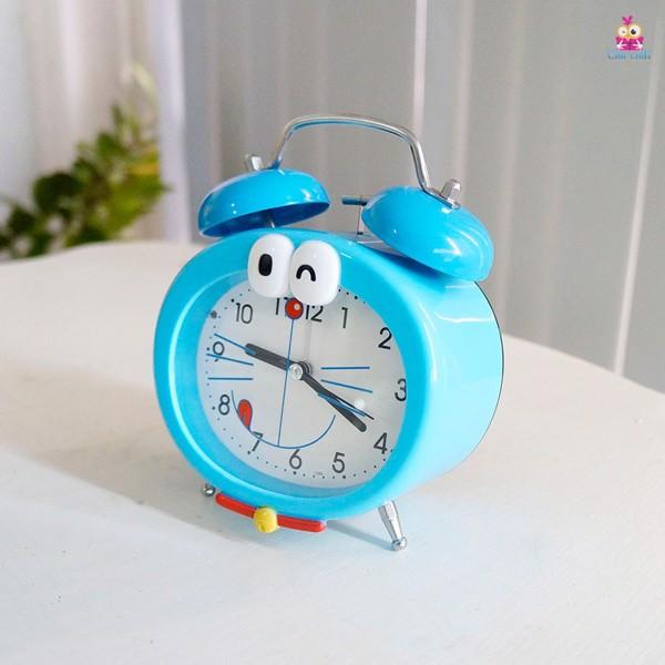 Đồng hồ để bàn Doraemon