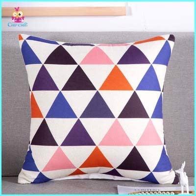 Gối mền tam giác màu