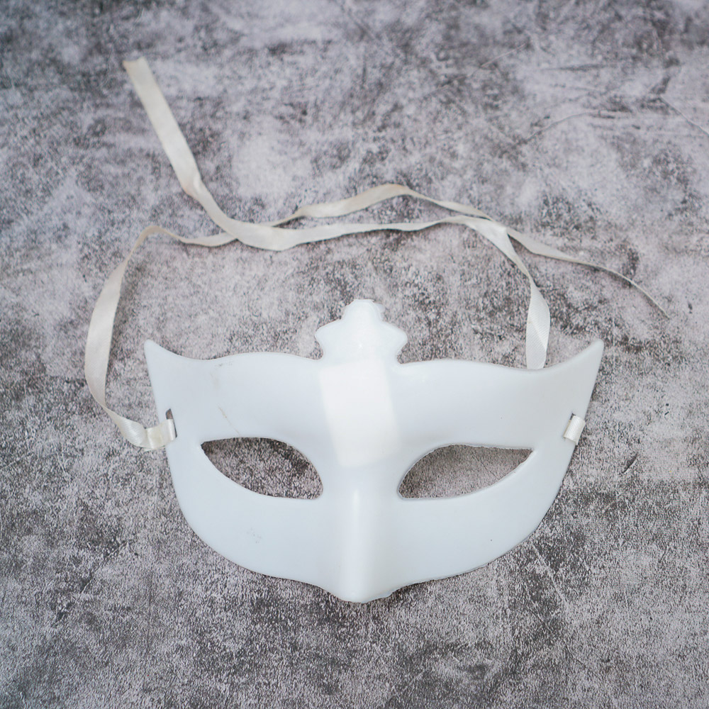 Mặt nạ Halloween form trắng