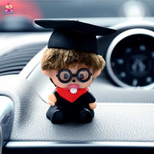 Móc khóa bé đội nón tốt nghiệp