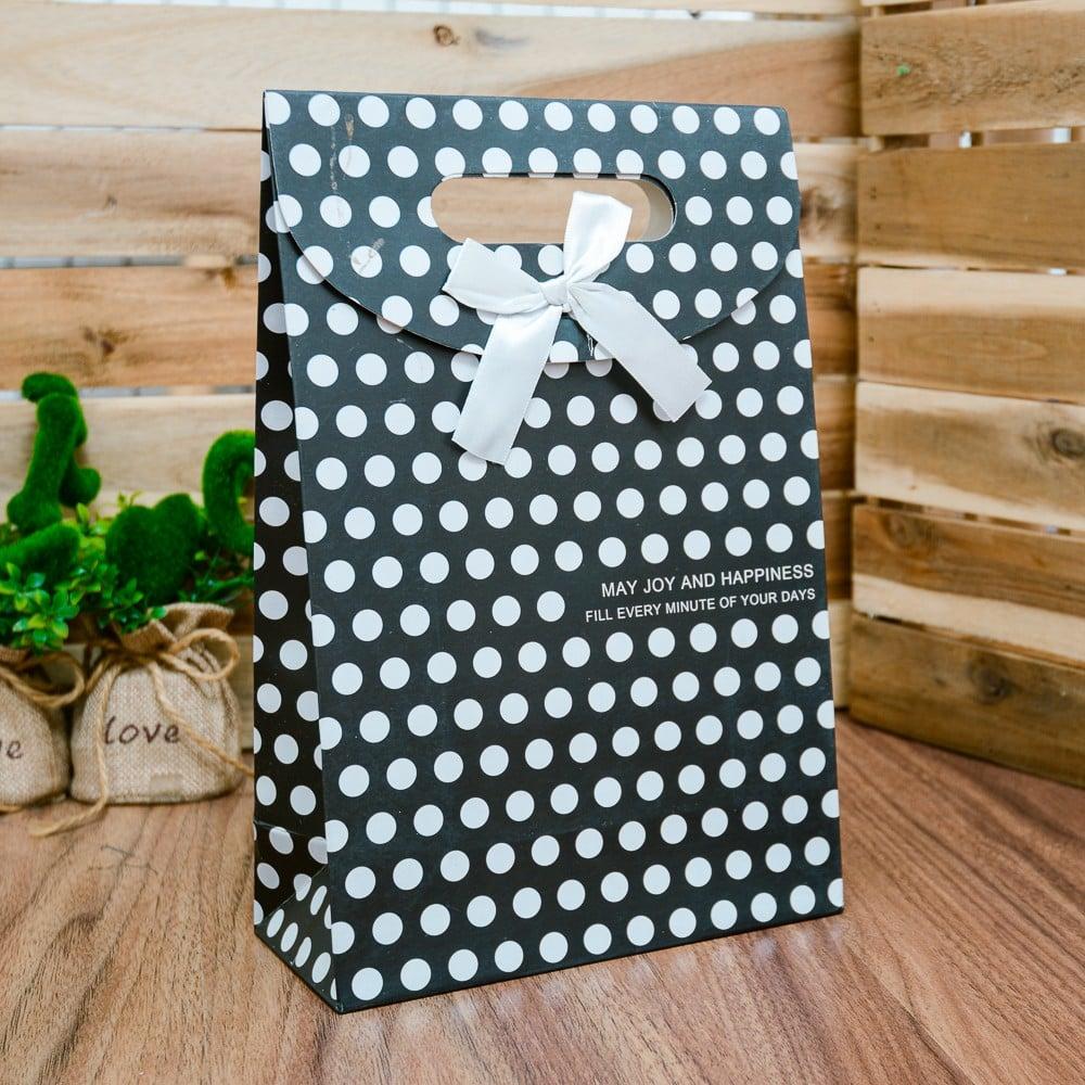Túi quà giấy dán đen chấm bi trắng