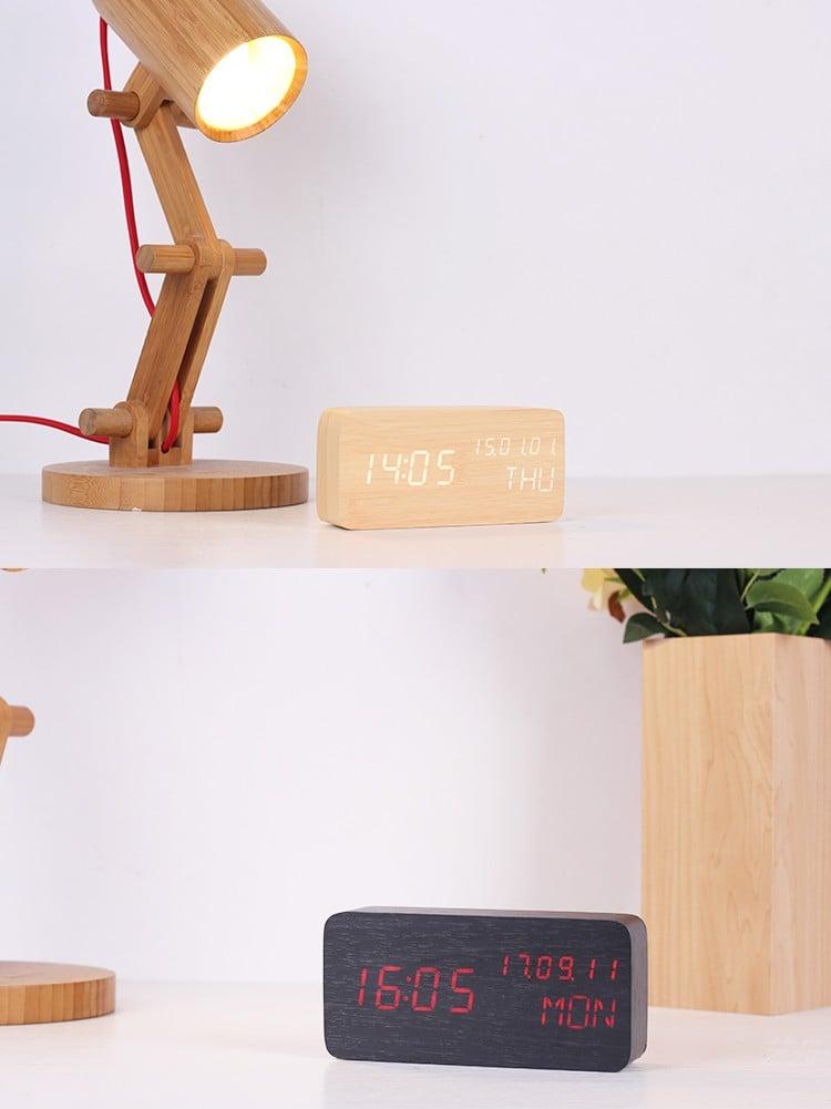 đồng hồ led để bàn bằng gỗ