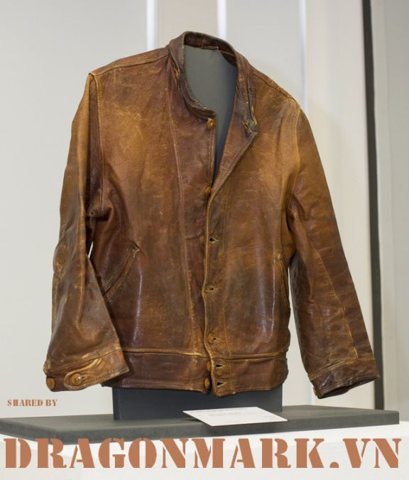 albert-einstein-leather-jacket 2