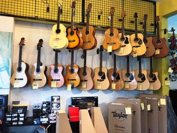 Những lý do nên chọn mua đàn guitar Taylor