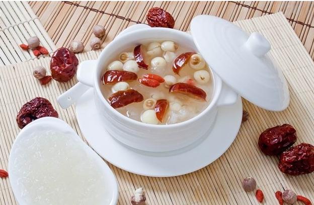 Mách bạn cách làm súp yến sào nấm tươi giảm cân đẹp dáng