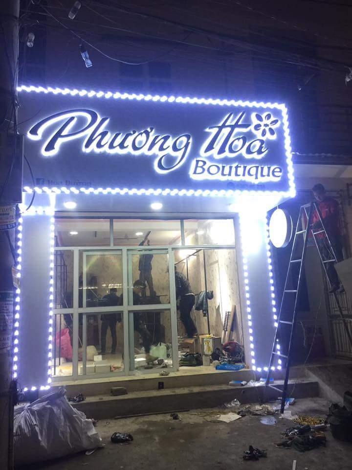 đèn chiếu sáng cửa hàng thời trang – Đèn shop quần áo thời trang ...