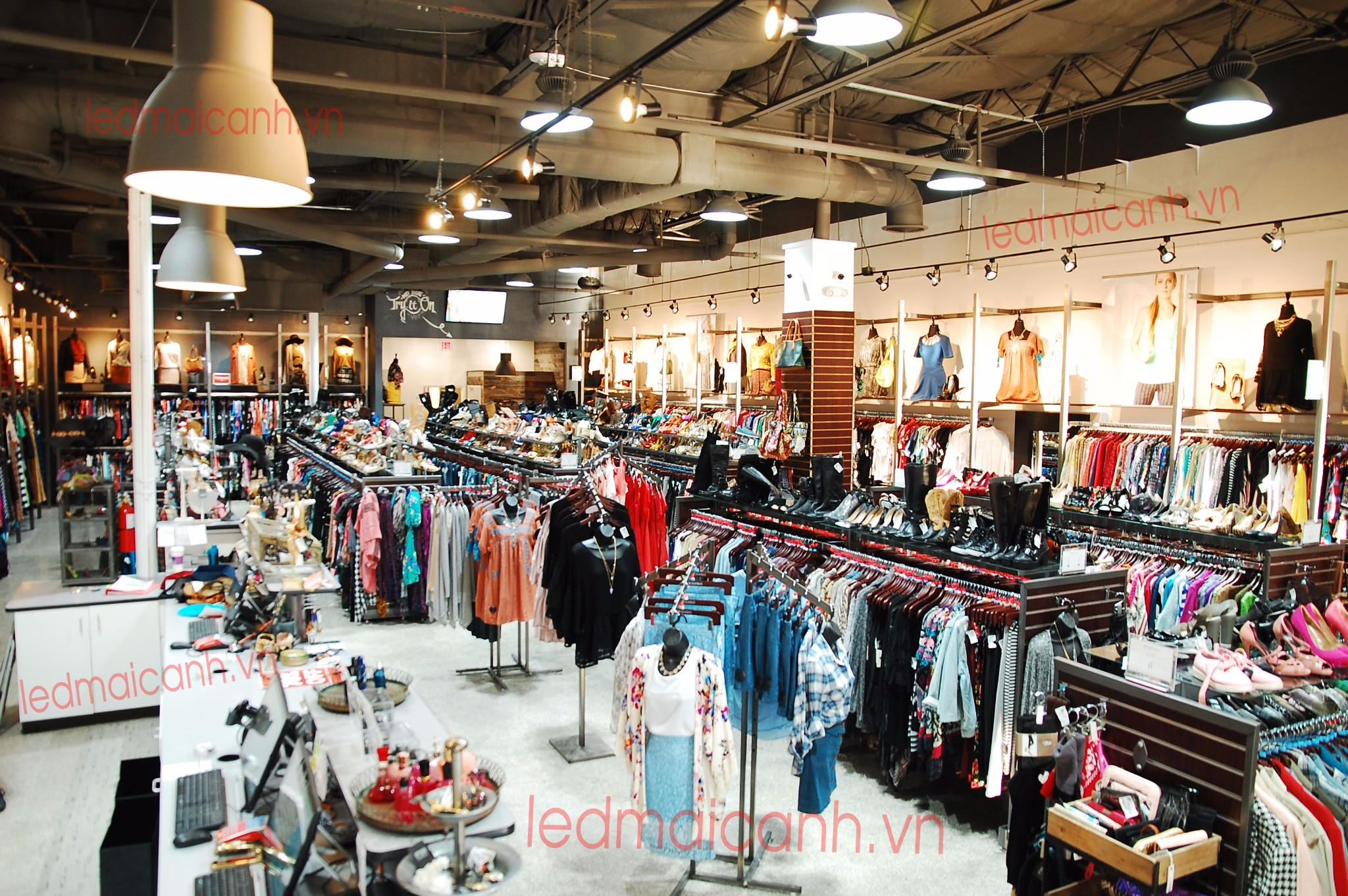 Hook up clothing store