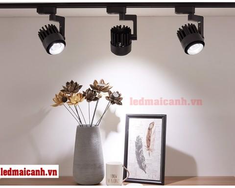 đèn trang trí chiếu sáng shop quần áo thời trang