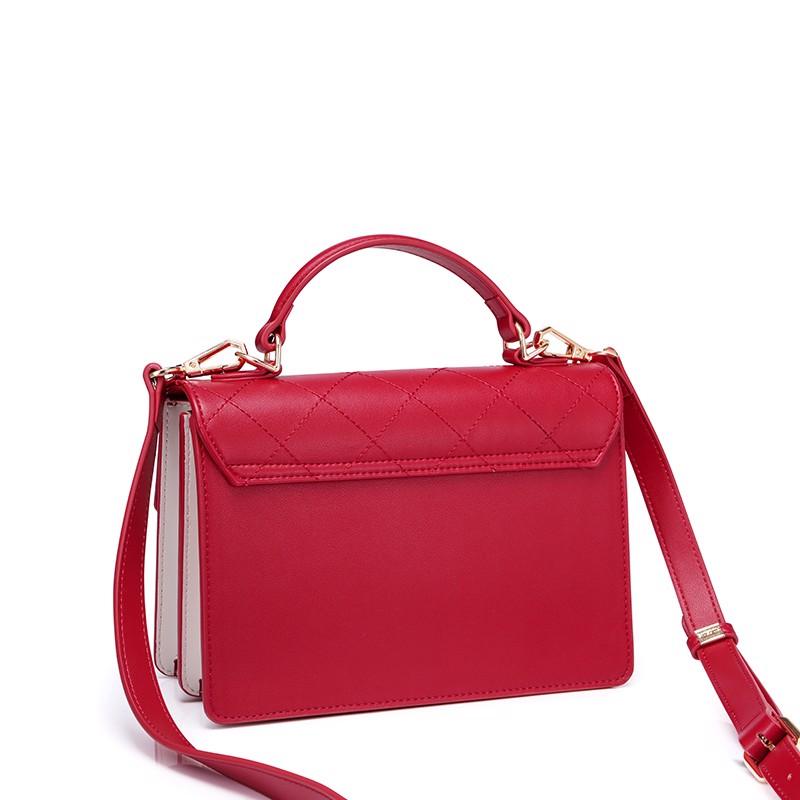 Túi đeo chéo Nucelle chần chéo màu đỏ khóa mèo dễ thương  1171647-02