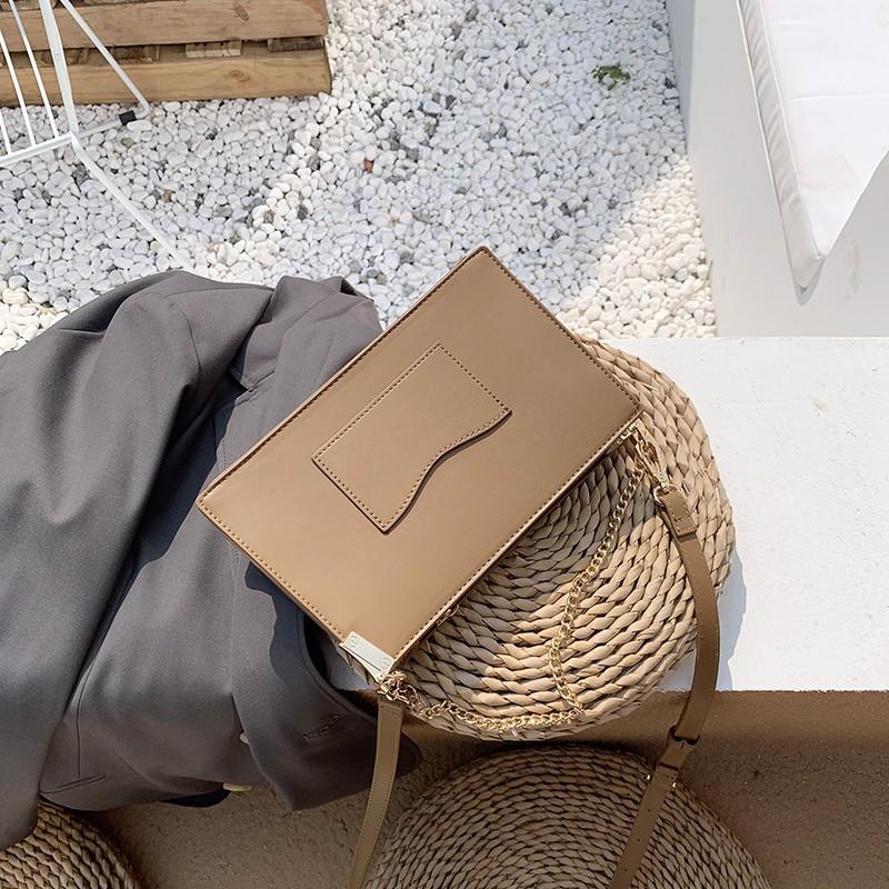 Túi đeo chéo Micocah phối dây xích sang trọng  màu vàng kem MSD336-3