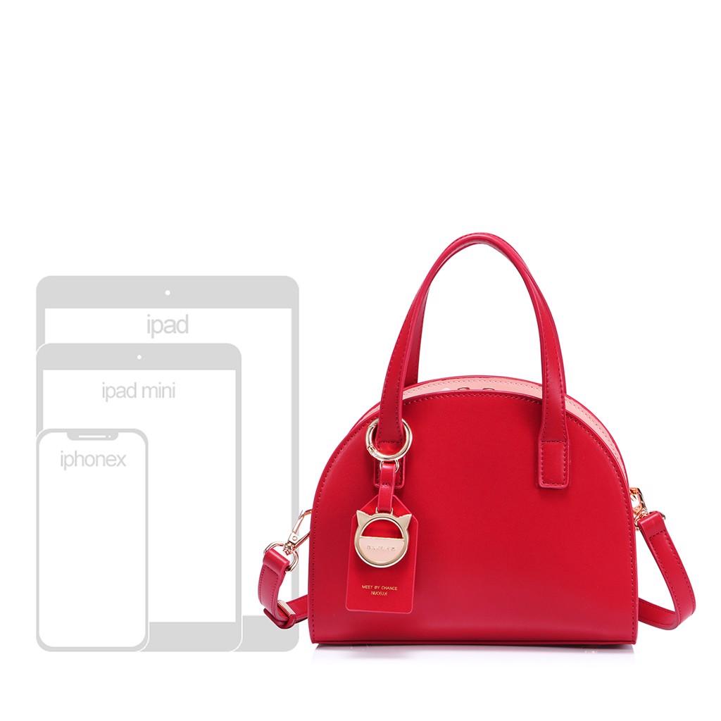Túi Nucelle phom bầu màu đỏ charm mèo sang trọng 1171630-02