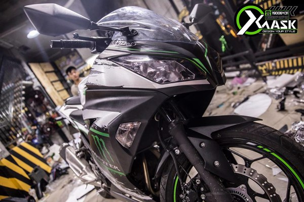 tem kawasaki chrome xuoc bac monster