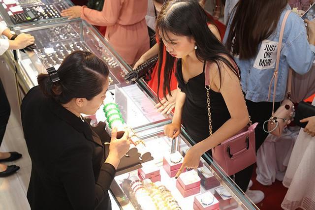 Sắm trang sức vàng không lo nhìn giá với chương trình trả góp lãi suất 0%