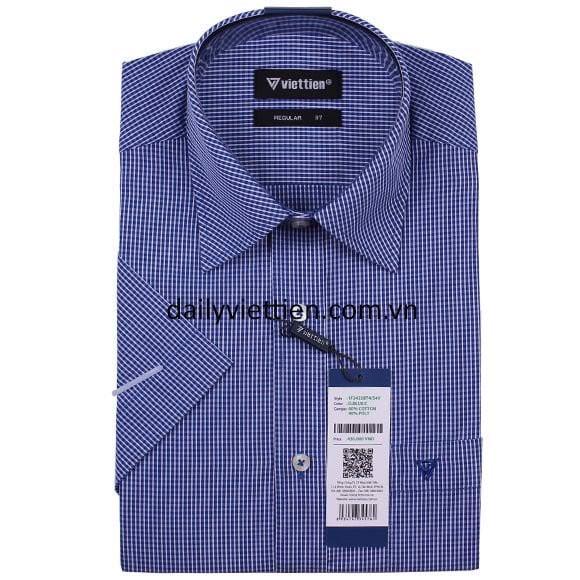 Mẫu áo sơ mi màu xanh tại cửa hàng Việt Tiến