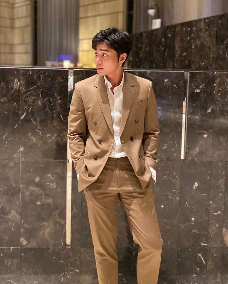 Đa phong cách với áo sơ mi trắng Việt Tiến 5