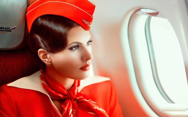 những bộ đồng phục hàng không đẹp nhất 17
