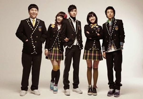Những mẫu đồng phục mê mẩn trong phim Hàn 14